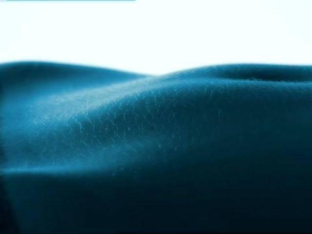 Oxygen Bar – Cute Girl In Blue Light
